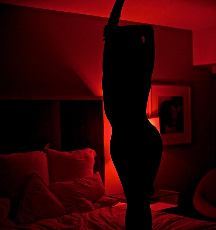 Why You Should Turn Your Bedroom Red